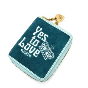 Juicy Couture Yes to Love Wallet